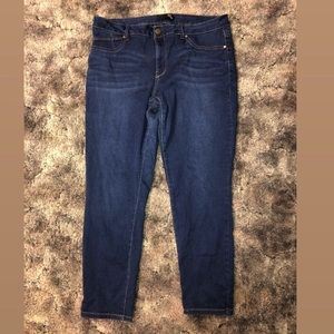 Cropped denim jeans - size 14 - used
